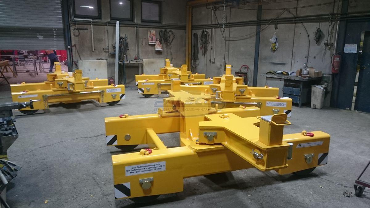 Železniški montirni vozički
